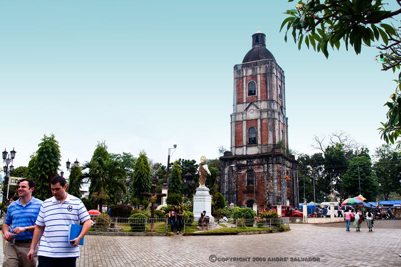 The Jaro Belfry is one of the few belfries in the country that stands apart from the church. It was ruined by 1948 earthquake and restored by the Iloilo City Government.