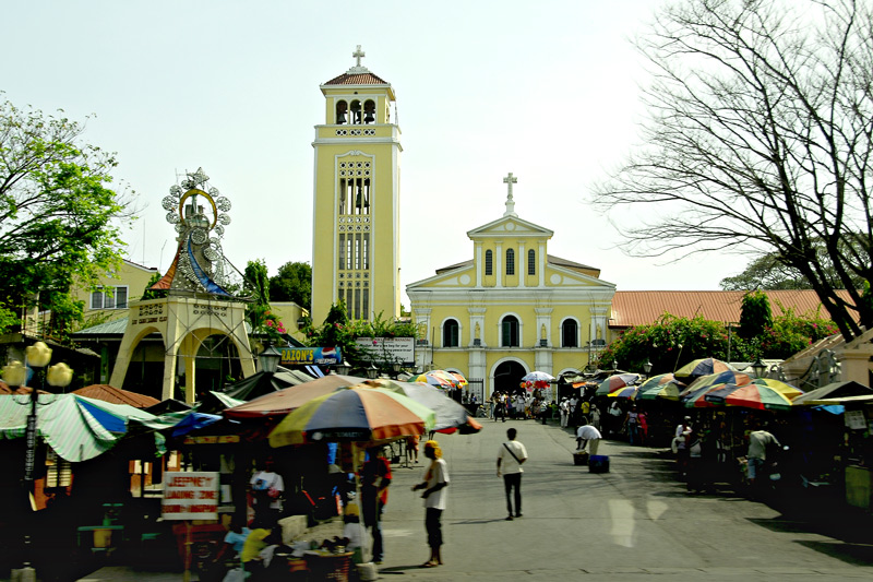 This is the view in front of the church. There is no good vantage point if you get closer due to the crowds and the vendors with their store umbrellas sorrounding the church.