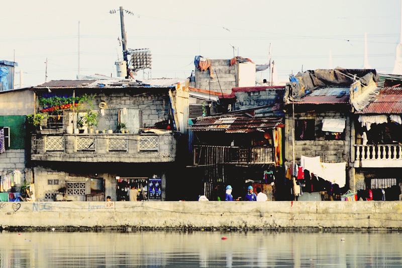 The squatters along Navotas River.