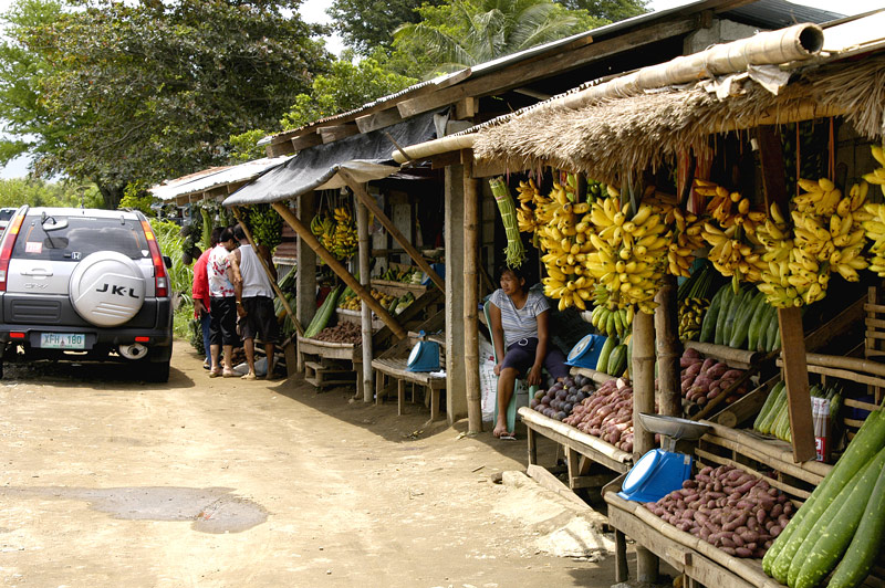 Another group of roadside fruit stand in Tagaytay.