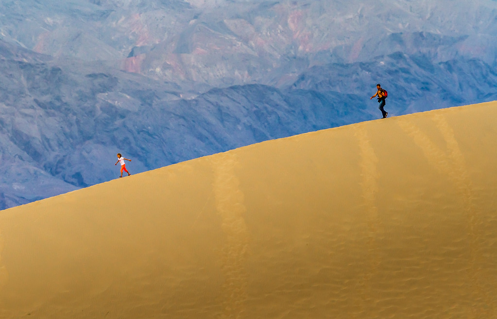 The chase, @ Mesquite Flats sand dunes