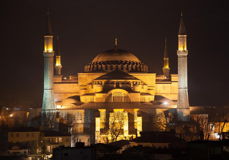 night view of Hagia Sophia