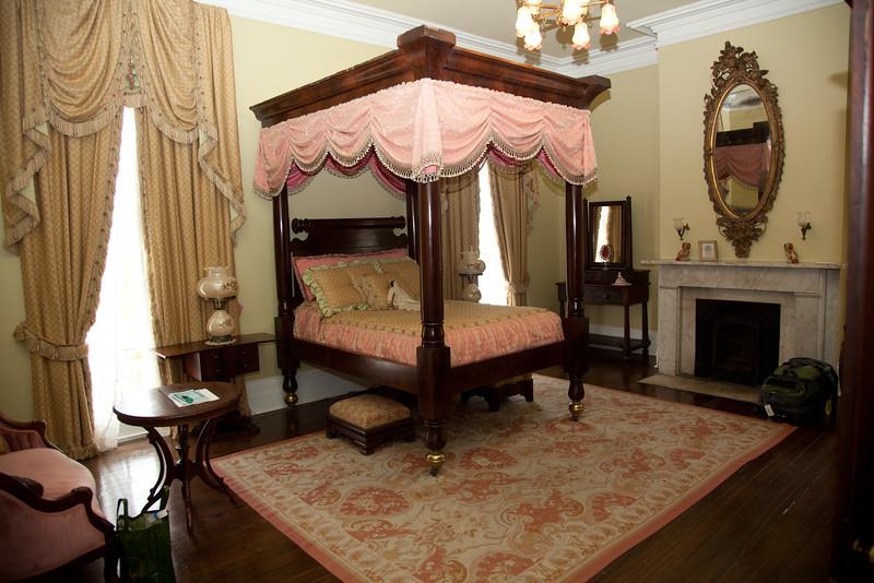 bedroom, Nottoway Plantation