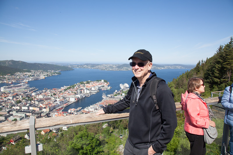 Bill above Bergen at the top of the funicular