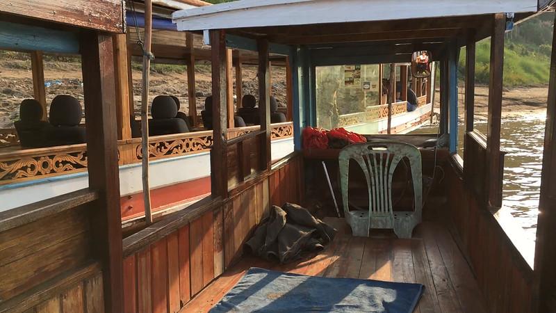 short Mekong boat trip in Laos