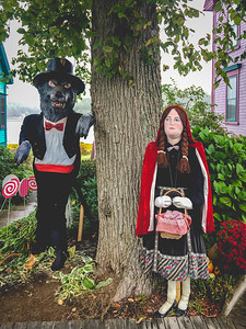 2016 Mahone Bay Scarecrow Festival // Mahone Bay, Nova Scotia // Canada //iPhone6Plus photo