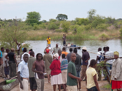 Chaotic start to our Makoro trip in the Okavanga Delta