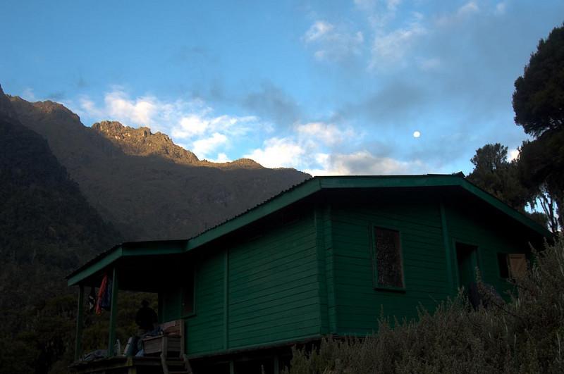 Dawn at John Matte Hut. alt 3,414m.