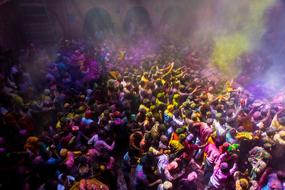 Vrindavan celerates Holi in full color.