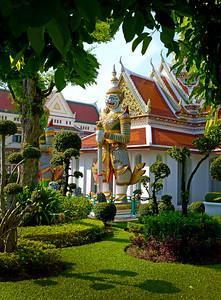 Wat Arun Temple & Guard