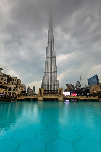 Rainy day in Dubai with Burj Khalifa in clouds