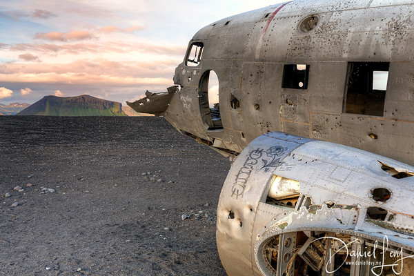 A closer look at the Icelandic Plane Wreckage