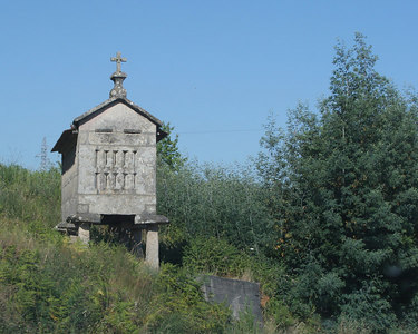 A typical hórreo (corn storage granary) of the Minho and Galicia areas.