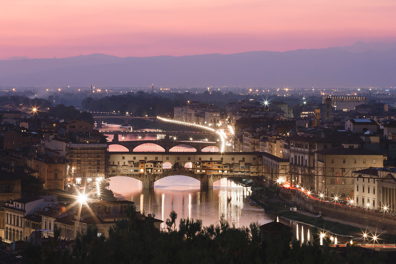 Night lights on the Arno River