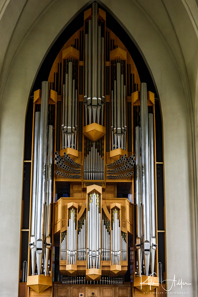 The impressive pipe organ in Hallgrimskirkja Church.
