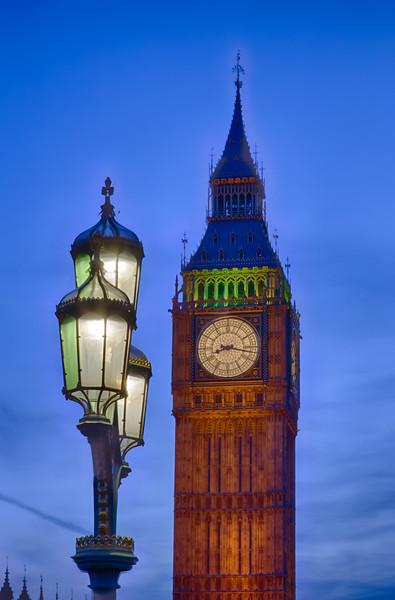 Big Gen's Tower with street light