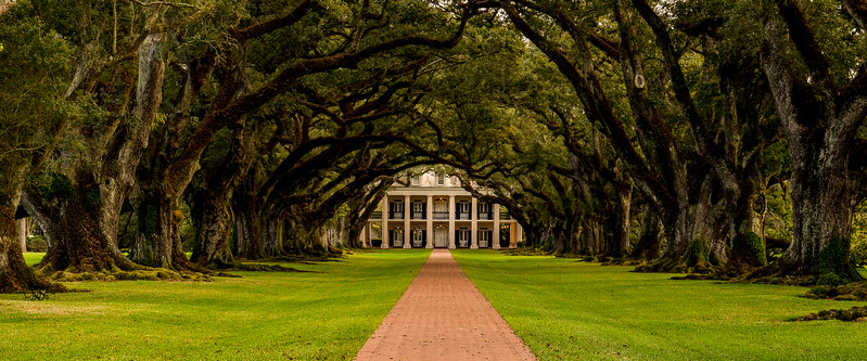 Oak Alley Plantation house, river side