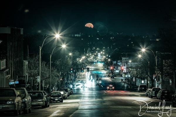 Full Moon Setting in Somerville