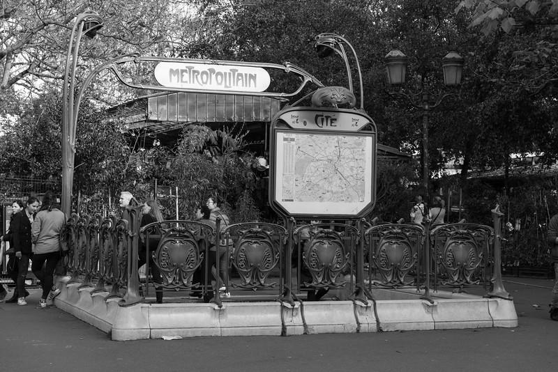 Metro stop - Cite