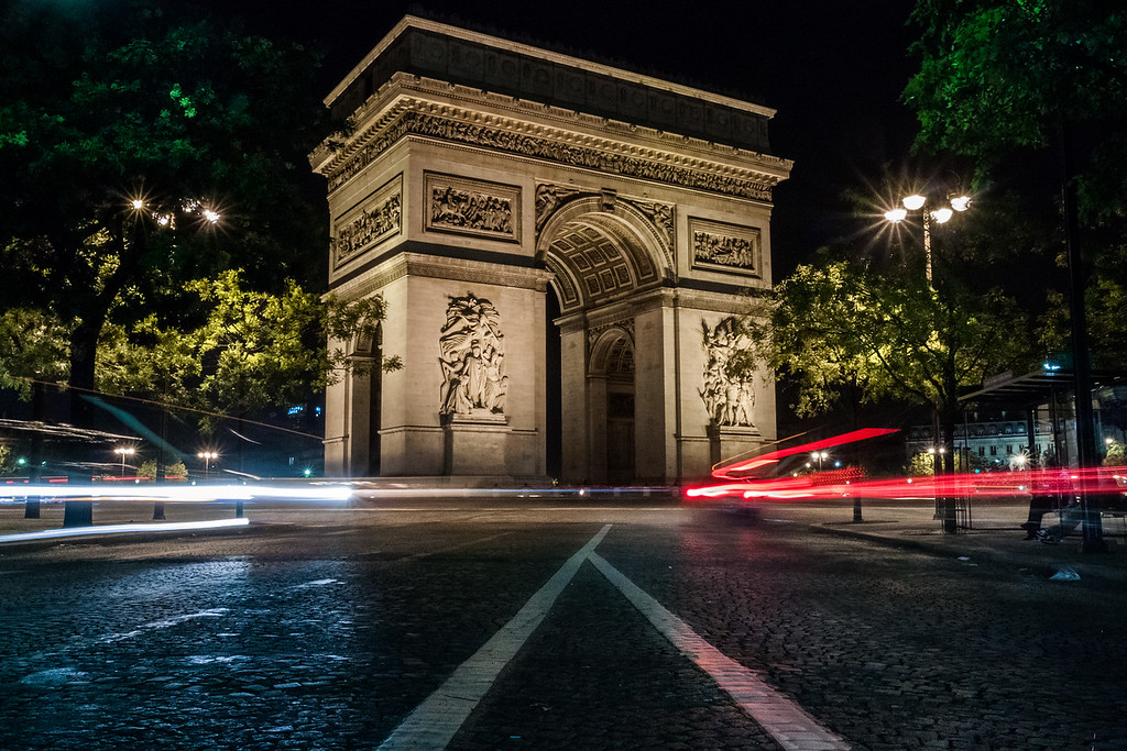 Champs Élysés at Night