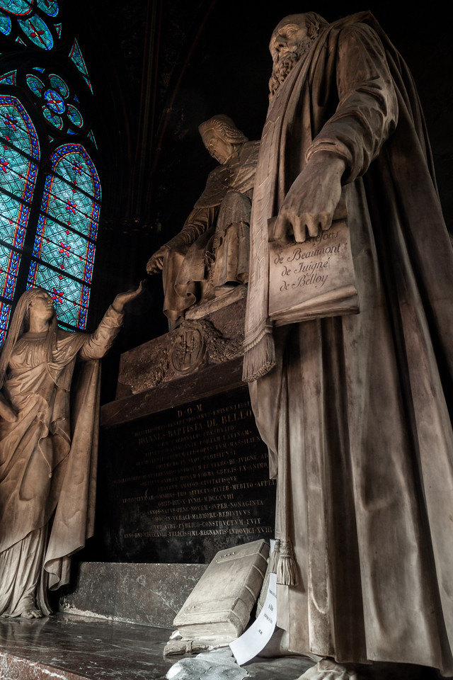 Statues in Notre Dame Cathedral