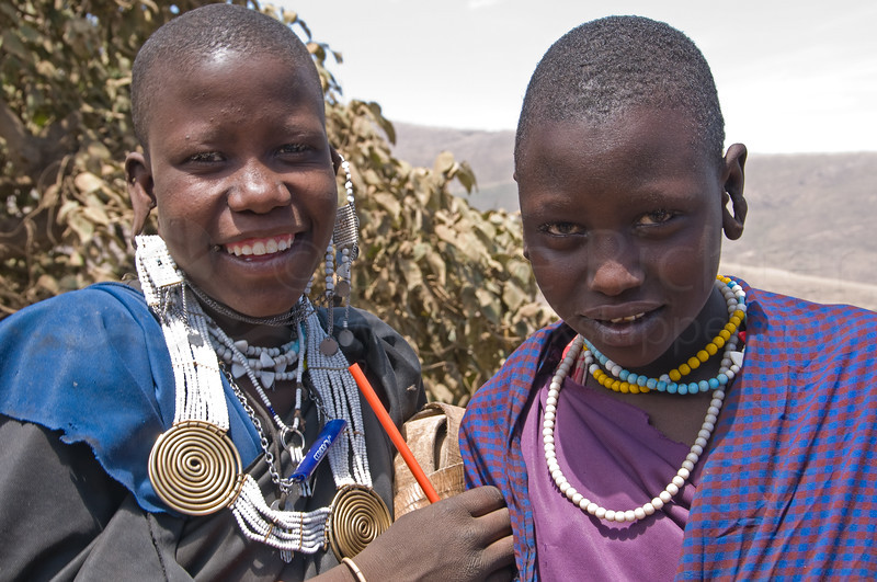 Masai girls with colored pencil.
