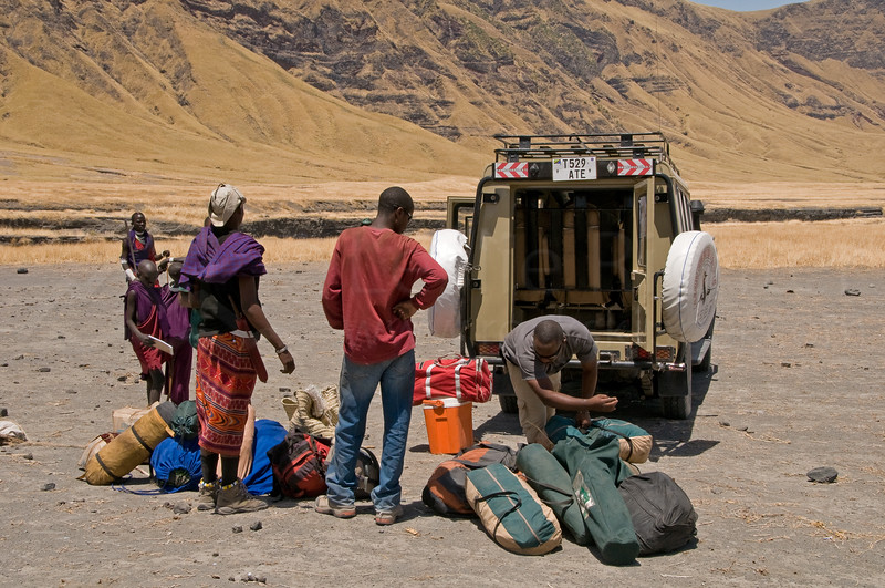Loading all the gear into the land cruiser...