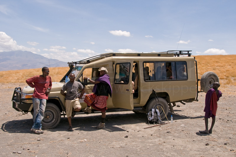 We were thrilled to see Ragabu with the Land Cruiser waiting for us at the end of the trail!