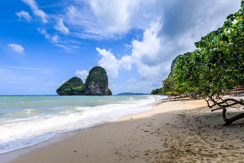 Pra Nang Can beach on a very sunny and beautiful day with its white sand visible.