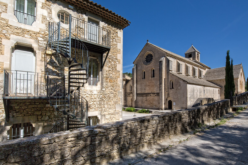 Road to Abbaye Notre-Dame de Senanque