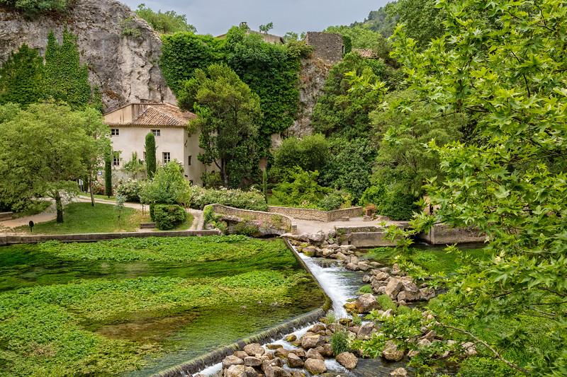Along the river Sorgue