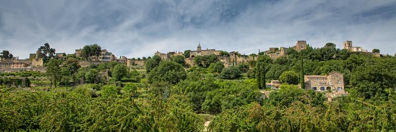 Menerbes Peaceful Village of Provence