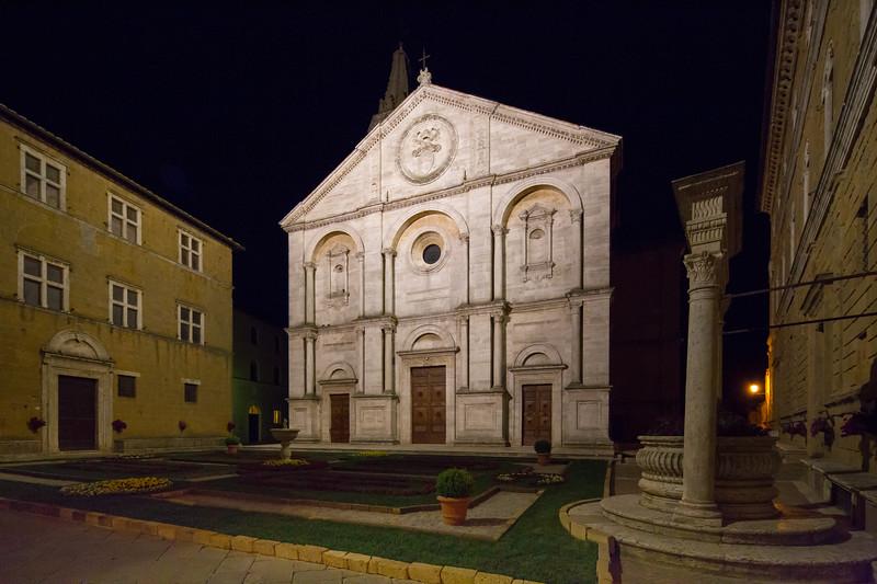 Santa Maria Assunta on the Piazza Pio II by night