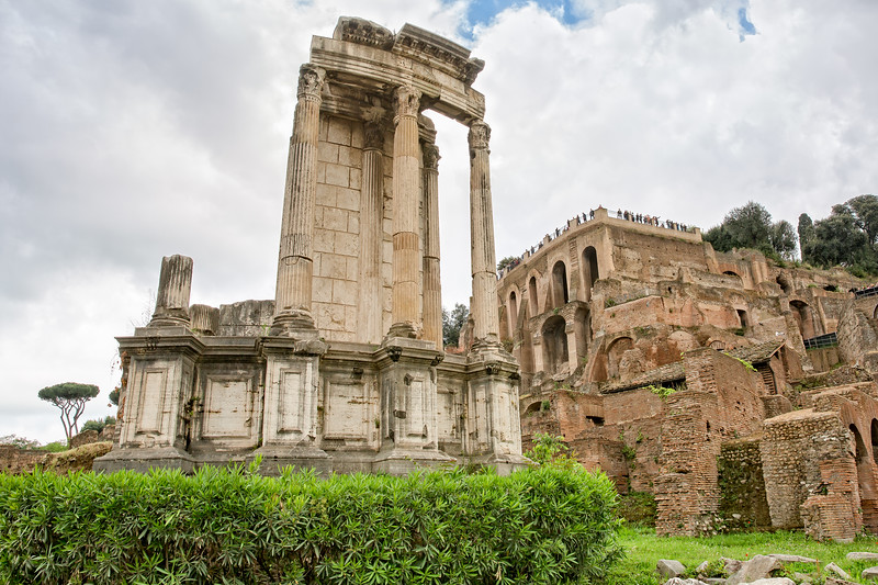 Great  view of the Temple of Vesta from the  Via Sacra - Roman Forum
