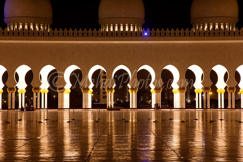Abu Dhabi, Pure Symmetry.<br /> Sheikh Zayed Grand Mosque.
