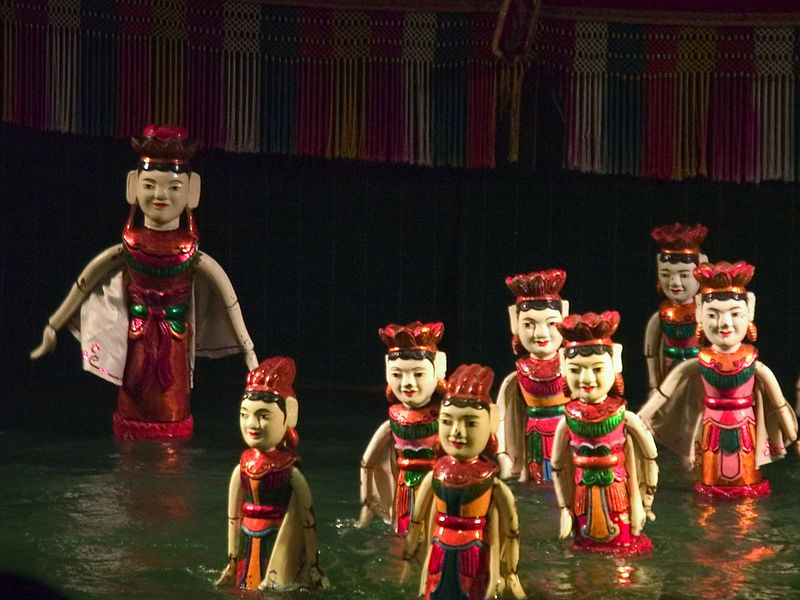 The water puppets in action....