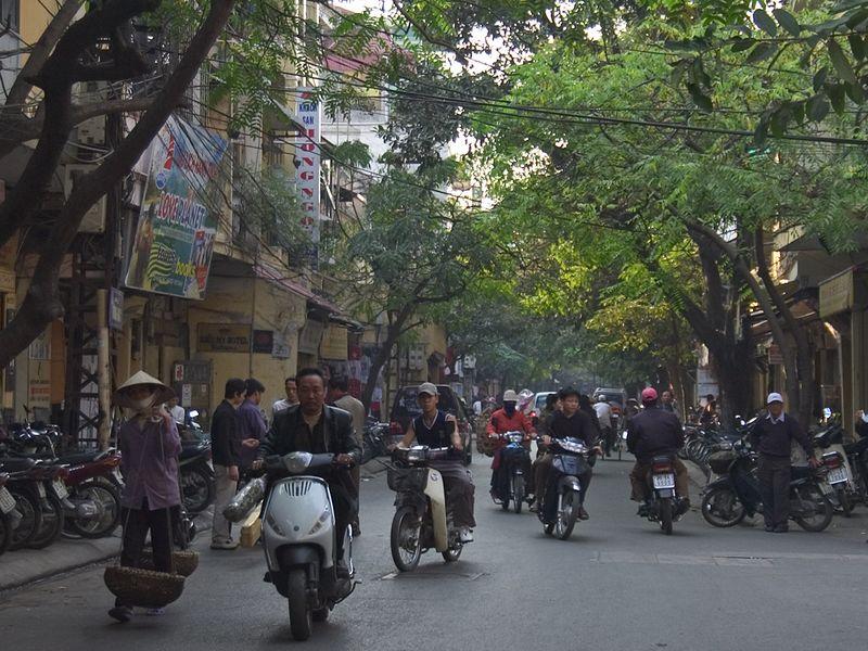 Street scene_0814_72dpi