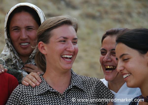 Laughing Women - Paraw Bibi, Turkmenistan