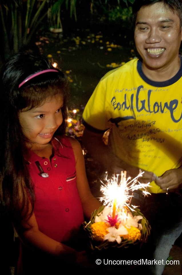Proud Father - Loi Krathong Festival, Bangkok