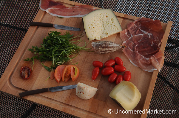 A Tuscan Picnic Fit for a King - Montepulciano, Italy