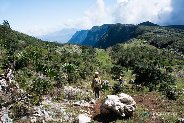 Hiking to Pic Cabayo - Parc National la Visite, Haiti