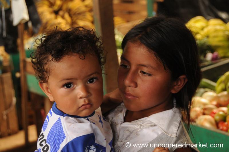 Honduran Siblings - La Esperanza, Honduras