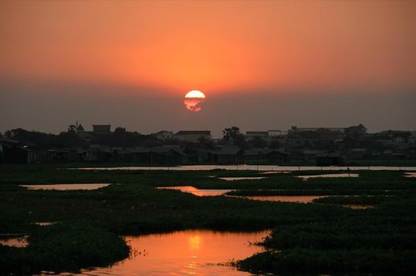 Sunset, Boeng Kak Lake - Phnom Penh, Cambodia
