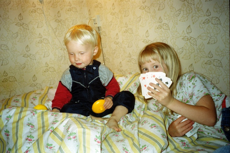 Kids Playing Cards - Estonia