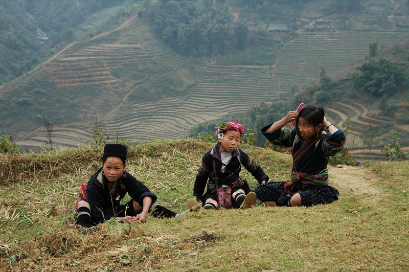 Black Hmong Girls - Sapa, Vietnam