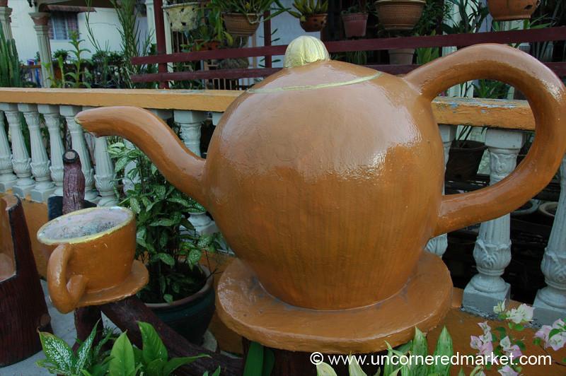 Huge Tea Pot - Melaka, Malaysia
