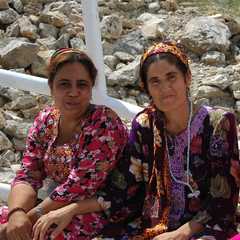 Women Taking a Break - Paraw Bibi, Turkmenistan