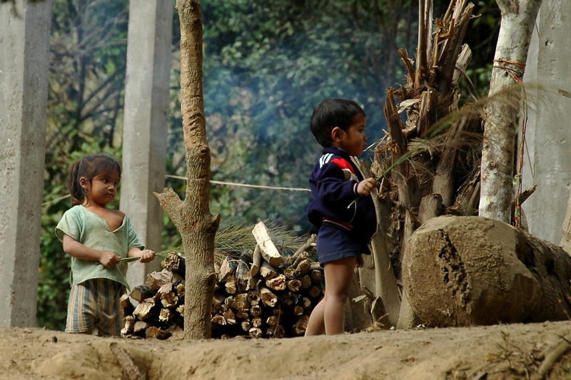 Kids Helping Mom - Nong Khiaw, Laos