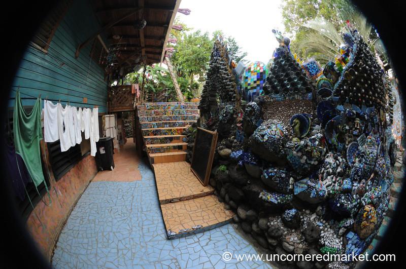 Treetanic Laundry and Mosaic - Utila, Honduras