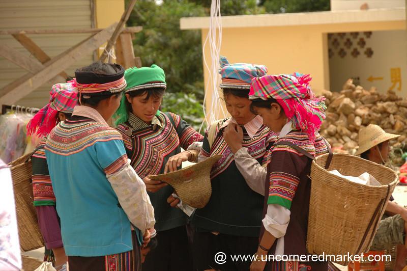 Hani Women at Yuanyang Market - China